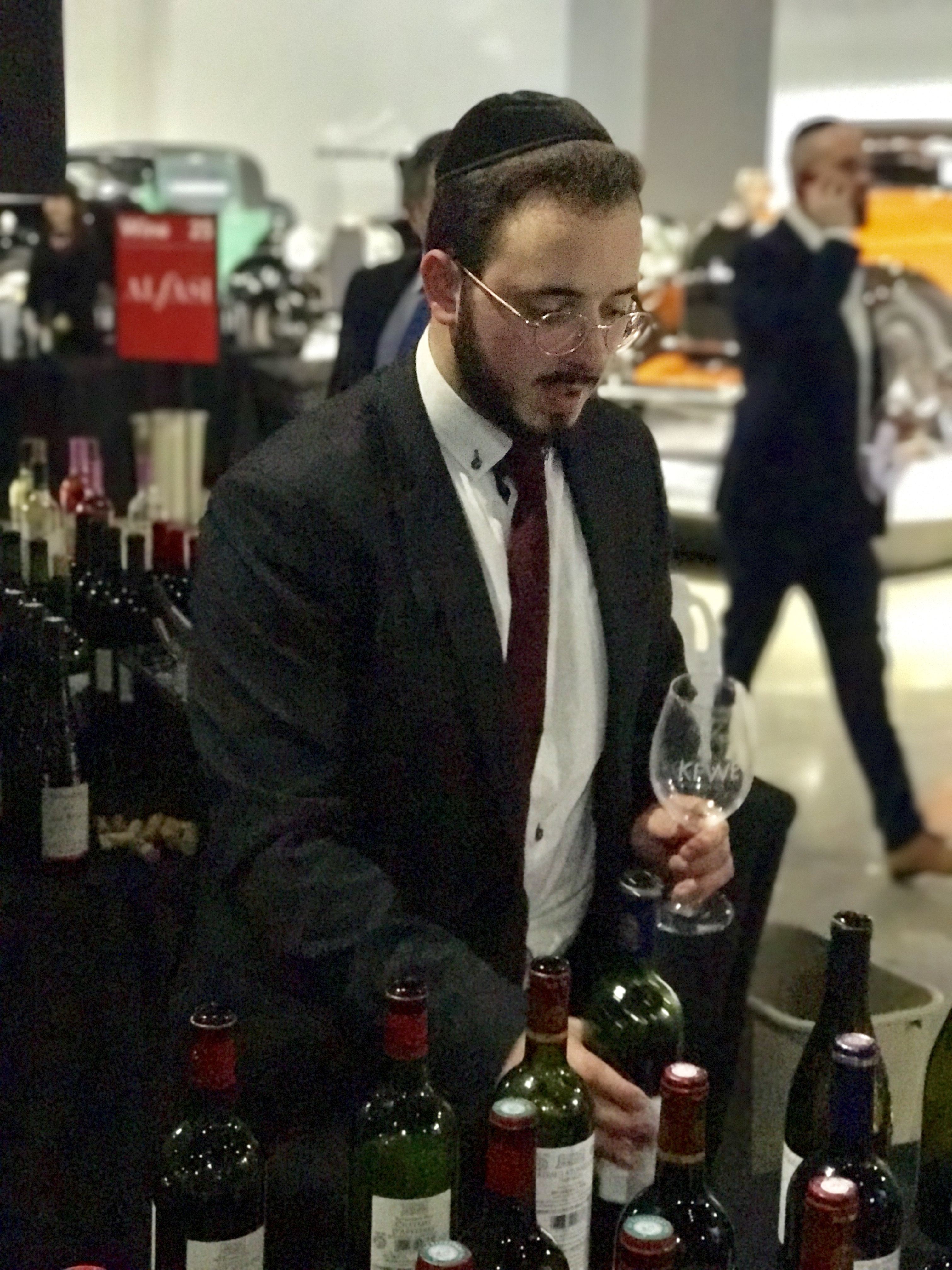 The kosher wine flowed at the 2017 Kosher Food and Wine Event in Los Angeles. Photo courtesy the Experience Magazine