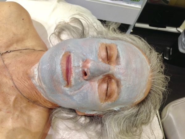 Erwin Glaub from the Experience Magazine enjoying a facial